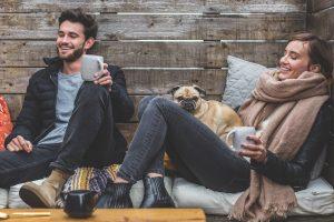Mand, kvinde og hund